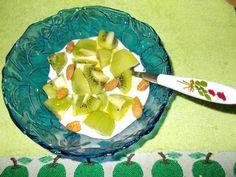Receitas de cozinha: Ideia de lanche rápido e saudável com iogurte e ki...