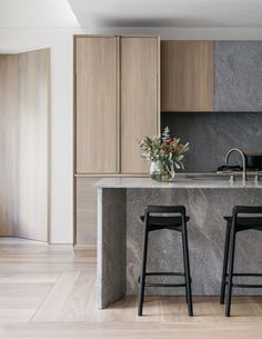 Stunning Modern Apartment Kitchen Decor Ideas and Remodel - Page 14 of 72 Modern Kitchen Design, Interior Design Kitchen, Home Interior, Kitchen Decor, Kitchen Ideas, Scandinavian Interior, Kitchen Layout, Kitchen Styling, Modern Interior