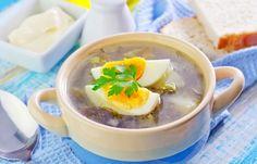 Zupa szczawiowa z jajkiem PRZEPIS z grzankami - Wiosna - nasz ulubiony kulinarny sezon. Trwa krótko, ale bogaty jest w pyszne warzywa: szparagi, botwinę, szczaw. Ten ostatni wydaje się być nieco niedoceniany. A niesłusznie...
