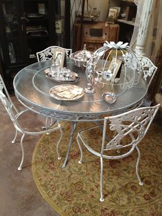 Vintage LyonShaw iron patio table and cottage garden chairs