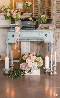 This is the ultimate vintage table set up! Such a great way to welcome your guests to your wedding reception.