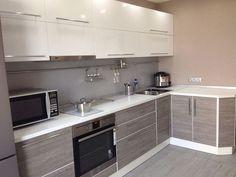 Кухня серый с белым цвет интерьер