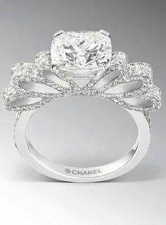 Chanel Diamonds OMG I LOVE THIS. Oh, Chanel. I want to be buried in Chanel. Coco Chanel, Chanel Ring, Chanel Necklace, Chanel Jewelry, Chanel Bags, Chanel Handbags, Designer Handbags, Jewelry Box, Jewelry Accessories
