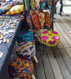 Using Art and Crafts in African Decor African Shop, African House, African Art, African Interior Design, African Design, African Textiles, African Fabric, Funky Furniture, Home Decor Furniture