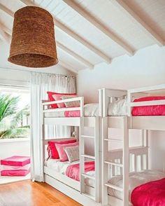 Inspiração quarto de menina para casa de praia ou de campo | via CASA TRÈS CHIC