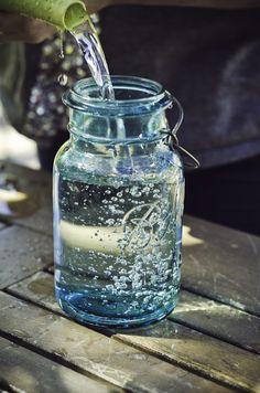Filling up the Ol' Mason Jars at Royal Bloom Boutique - Visit us at 75 Arbor Rd. suite W. Menlo Park, CA. Photo by www.fotomokio.com