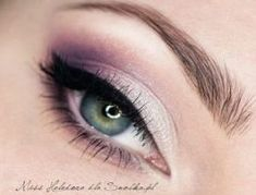Ideas Wedding Makeup Purple Simple makeup augen hochzeit ideas tips makeup Purple Wedding Makeup, Purple Eye Makeup, Purple Eyeshadow, Makeup For Green Eyes, Smokey Eye Makeup, Eyeshadow Looks, Wedding Guest Hair And Makeup, Purple Makeup Looks, Homecoming Makeup