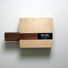 Minimal iPhone dock with ability to fit keys, wallet and other objects   Liebal Butler