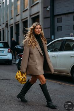 Looks Street Style, Model Street Style, Spring Street Style, Style Casual, Casual Street Style, Street Style Women, Street Style Trends, Street Style London, 2020 Fashion Trends