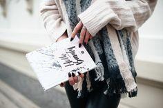 """Gewusst wie: Pastellfarbe Rosa im Winter kombinieren - Rosa im Winter stylen - """"Connor Tote"""" Tasche von Pauls Boutique - Brille von BASE Eyewear"""