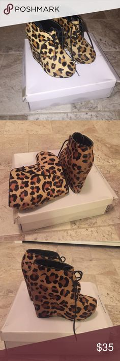 Leopard wedge Bootie Leopard wedge Bootie. Very good condition. Only wor a couple of times. Size 6 Steve Madden Shoes Ankle Boots & Booties