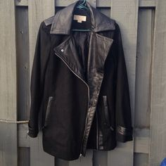 Michael Kors Jacket Women's very good condition fits Small/Medium Michael Kors Jackets & Coats Trench Coats