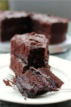 Λαχταριστό κέικ σοκολάτας με 3 υλικά!