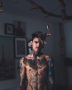 Hi. Boy Tattoos, Tattoos For Guys, Tatoos, Tatted Men, Men Hair Color, Tattoo People, Stomach Tattoos, Tumblr Fashion, Poses