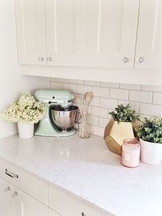 Each and every person has their own way they like their counter top to be, so don't let us tread on your toes! If you do happen to like some...