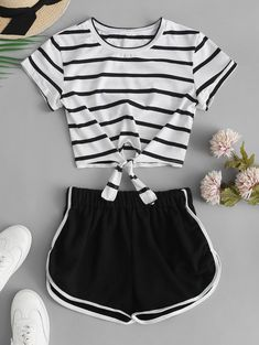 Striped Knotted Crop Tee and Shorts Set Cute Lazy Outfits, Summer Outfits For Teens, Crop Top Outfits, Kids Outfits Girls, Teenage Outfits, Pretty Outfits, Stylish Outfits, Girls Fashion Clothes, Teen Fashion Outfits