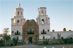 Sightseeing Tours - Tombstone Day Tour in Scottsdale, Arizona are a great way to learn and truly experience the city. Discover the best sightseeing tours . Wyatt Earp, Mobsters, State Of Arizona, Al Capone, Gangsters, Day Tours, Notre Dame, Law, Waiting