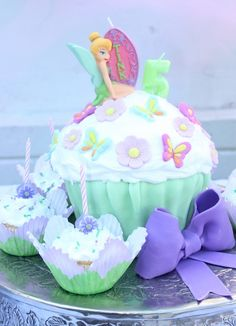 Cake at a Tinkerbell Party #tinkerbell #partycake