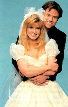 Crystal Bernard as Helen and Tim Daly as Joe on Wings.