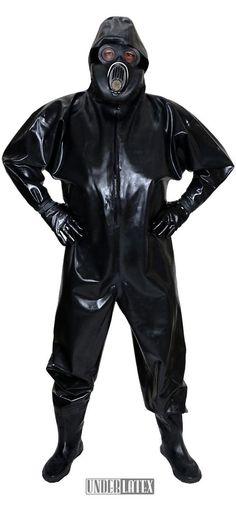Heavy  Rubber  schwerer einteiliger und wasserdichter Gummianzug  Latex mit aufgesetzter russischer Gasmaske PBF in schwarz und Latex Handschuhen
