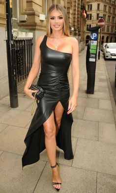 Chloe Sims in a leatherette dress - British glamour model Chloe Sims wearing a black leatherette dress Tight Dresses, Sexy Dresses, Chloe Sims, Sexy Latex, Fashion Mode, Sexy Skirt, Leather Dresses, Hot Dress, Mode Style