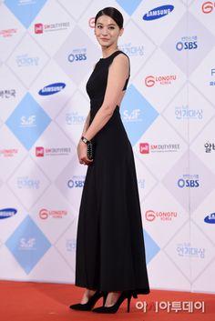 Yoo In Young at 2015 SBS Drama Awards. #RedCarpet