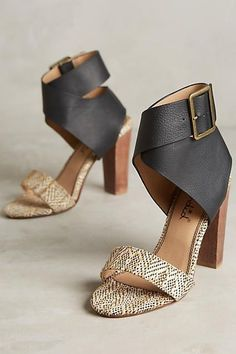 Splendid High Heels for Spring/ Summer – lilostyle Zapatos Shoes, Shoes Heels, Heeled Sandals, Cute Shoes, Me Too Shoes, Black High Heels, Crazy Shoes, Shoe Collection, Fashion Shoes