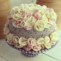 Susannah's Kitchen: 25 Romantic Wedding Cakes ~ For All Seasons | Discount Retro Vintage Aprons, Products, Gifts, Kitchen Gadgets, Recipe, Party, Holiday, Wedding, Chicken, Peanut Butter, Pumpkin, Appetizers, Breakfast, Cupcakes, Desserts, DIY, Style, Comfort, Mexican, Food, Healthy, Favorites, Best, Delicious, Nom Nom, Yummy, Ultimate, Recipes