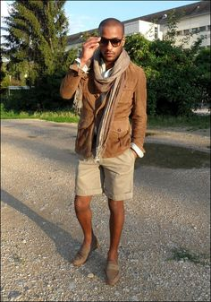 I do like this outfit... but I wonder... where can you wear shorts and a shirt with a suede jacket on??? You are dressed for two seasons in one...