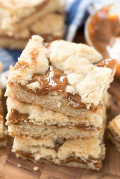 "Dulce de Leche Gooey Bars – this EASY sugar cookie bar recipe has gooey dulce de leche inside! Cookie bars with caramel are always a hit! Last week I had a major ""my daughter is growing up"" moment: s Sugar Cookie Bars, Easy Sugar Cookies, Cheesecakes, Chocolate Chip Cookies, Cake Pops, No Bake Desserts, Dessert Recipes, Breakfast Recipes, Yummy Treats"