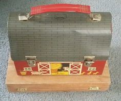 #VINTAGE RARE 1958 RED BARN OPEN DOORS DOME METAL LUNCHBOX