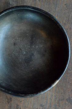 「熊谷幸治・大谷工作室 二人展 たのしいくらし」(~9/24迄)を開催中です。今回の展示会では、熊谷幸治さんのご自宅で7~8年ほど使い込んだ土器をご覧いた...