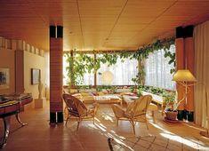 VARM TONE I MODERNISTVILLA: Interiøret i Villa Mairea ble laget av Aino Aalto, Alvars hustru. Hun var også arkitekt.