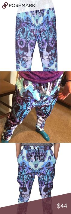Blue & Purple Skull Joggers, NWT!!⚡️ Amazing pattern!! Suitable for whether you're hitting the gym or hitting the hay, joggers make you comfort. Popular Emoji pattern Printing, two side prnable and comfortable linted, clear and fastness, unique design. Ribbed ankle cuffs, slanted front pockets, and subtly tapered legs lend them enough tailoring so you can style them cool and casual outside of your pad. This pant both suit men and women, especially teens. Westkun Pants Sweatpants & Joggers
