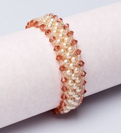 Free+Bead+Weaving+Bracelet+Patterns | Welcome to March! Since we're at the start of a new month, it's time ...