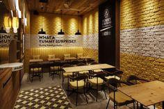 Small Restaurant Design, Restaurant Themes, Restaurant Interior Design, Cafe Interior, Coffee Shop Interior Design, Cafe Design, Modern Interior Design, Burger Bar, Small Restaurants