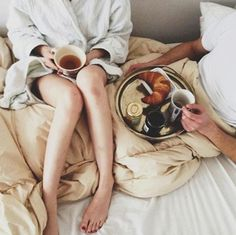 5 Date Ideas To Get Over The Winter Blues: Have breakfast in bed. We really can't think of a better way to spend a Sunday morning. Whip up some waffles, a smoothie and a pot of coffee — and then hop right back into bed for a relaxing, romantic breakfast. Lazy Sunday, Sunday Morning, Lazy Days, Morning Coffee, Coffee Time, Tea Time, Coffee Break, Morning Person, Sunday Funday