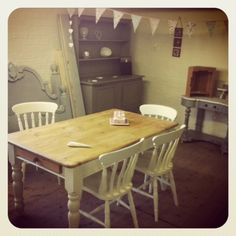 GORGEOUS SHABBY CHIC SOLID PINE DINING TABLE AND 4 CHAIRS | eBay