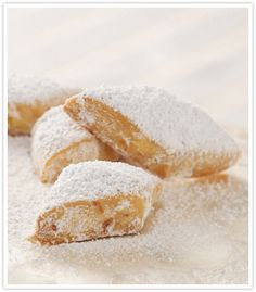 Greek Almond Shortbread Diamonds (Kourambiedes)