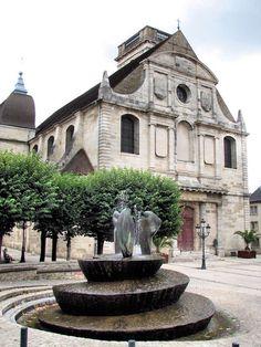 (via Vesoul, a photo from Franche-Comte, East | TrekEarth)  Vesoul, Franche-Comte, France