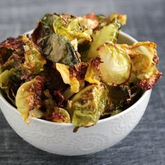 Crispy brussels sprouts chips #paleo #whole30
