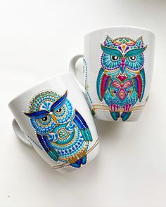 Hand painted mugs with owls in dotsart technique.wonderful gift with exclusive print. Mandala Art Lesson, Mandala Artwork, Mandala Painting, Painted Coffee Mugs, Hand Painted Mugs, Owl Mug, Clay Art Projects, Mug Art, Dot Art Painting