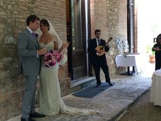 Mandolin player, wedding in Tuscany Italy, Mandolin, Musicians, Wedding, Toscana Italy, Valentines Day Weddings, Hochzeit, Weddings, Composers