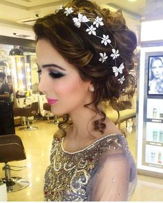 Wedding hairstyles updo with tiara shops 69 Ideas Asian Bridal Hair, Asian Bridal Makeup, Bridal Hair Buns, Indian Bridal Hairstyles, Bridal Makeup Looks, Bridal Updo, Wedding Updo, Bride Hairstyles, Wedding Makeup