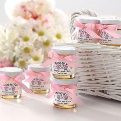Personalized Jars of Honey Wedding Favor | Click to Order | #exclusivelyweddings | #pinkweddingfavors