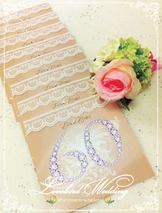 Table cards in champagne gold