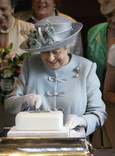 Queen Elizabeth II does not leave her favorite dessert behind; instead she prefers traveling with it. Her senior former royal chef would carry the cake with him on a train following the queen's.