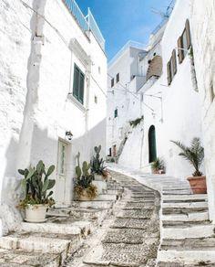 Ostuni, Puglia, Itália http://tracking.publicidees.com/clic.php?progid=2185&partid=48172&dpl=http%3A%2F%2Fwww.partirpascher.com%2Fvoyage%2Fvacances%2Fsejour-crete-pas-cher%2C%2C54%2C%2F