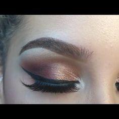 Rose Gold Smokey eye by @makeupbyvickiana- video