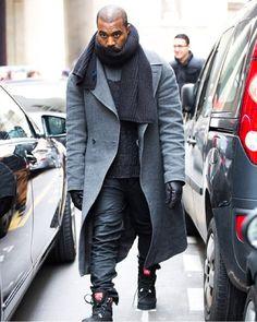 Kanye West after the Maison Martin Margiela show Kanye West Style, Kanye West Fashion, Streetwear Mode, Streetwear Fashion, Streetwear Clothing, Men Street, Street Wear, Stylish Men, Bandeau Outfit